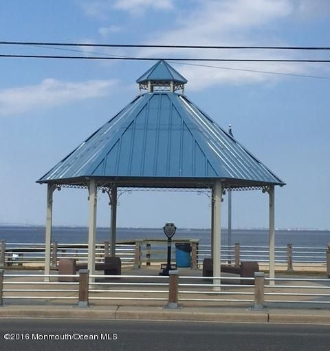Additional photo for property listing at 911 2nd Street  Union Beach, New Jersey 07735 États-Unis