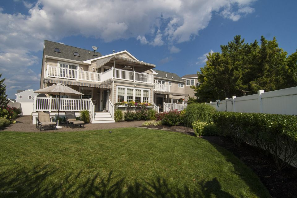 Single Family Home for Sale at 151 Glimmer Glass Circle Manasquan, 08736 United States