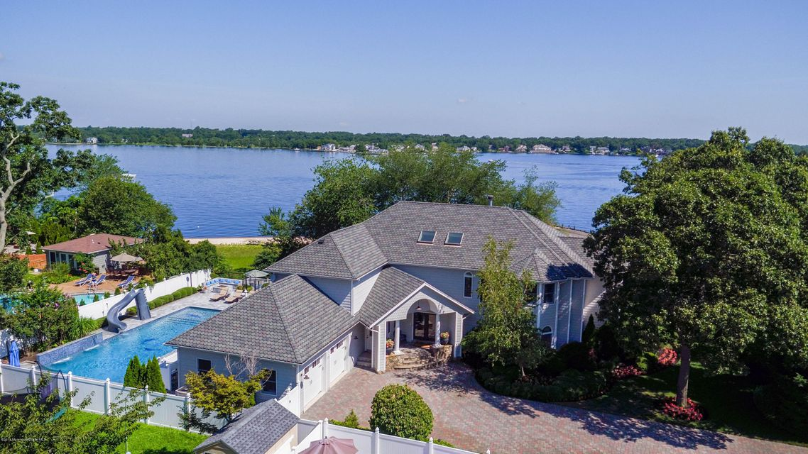 Maison unifamiliale pour l Vente à 501 Monument Road Pine Beach, New Jersey 08741 États-Unis