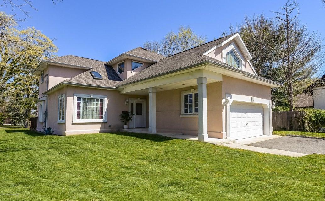 Single Family Home for Sale at 81 Hamilton Avenue Leonardo, New Jersey 07737 United States