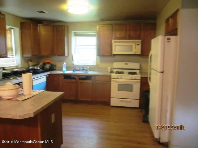 Additional photo for property listing at 24 1st Street  Howell, New Jersey 07731 États-Unis