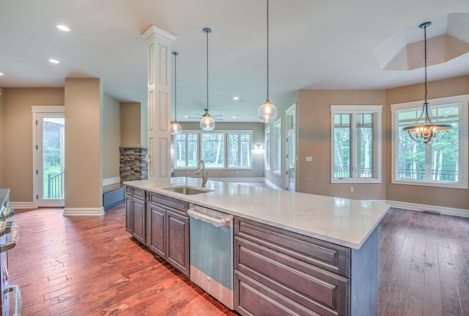 Additional photo for property listing at 65 Merrick Road  Farmingdale, Nueva Jersey 07727 Estados Unidos