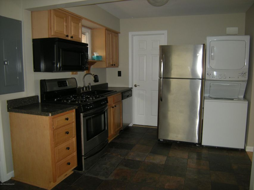 Additional photo for property listing at 903 Clairmore Avenue  Lanoka Harbor, New Jersey 08734 États-Unis