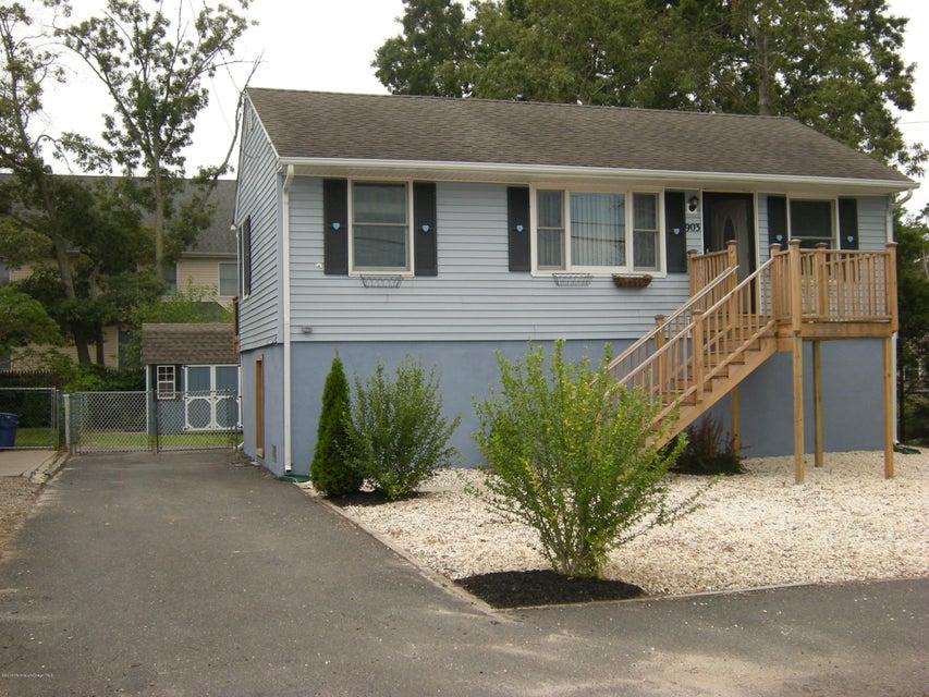 Maison unifamiliale pour l Vente à 903 Clairmore Avenue Lanoka Harbor, New Jersey 08734 États-Unis
