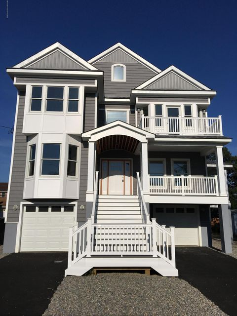 Single Family Home for Sale at 42 Harbor View Lane Toms River, New Jersey 08753 United States
