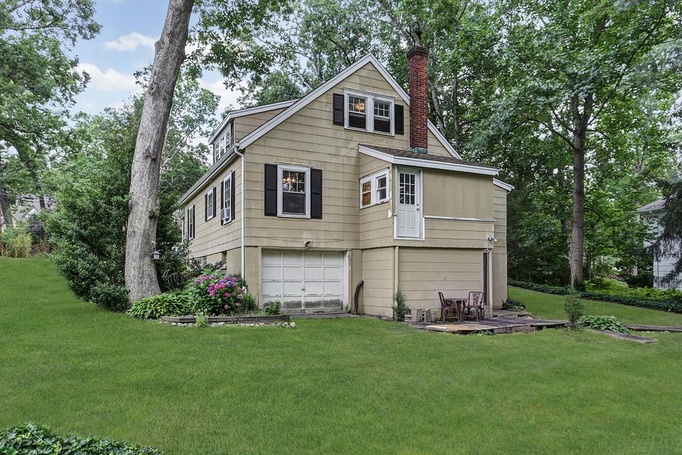 Additional photo for property listing at 20 Lexington Avenue  Toms River, New Jersey 08753 États-Unis