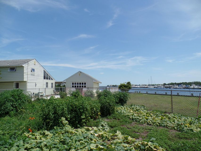 Additional photo for property listing at 119 Cedar Run Road  Bayville, New Jersey 08721 United States