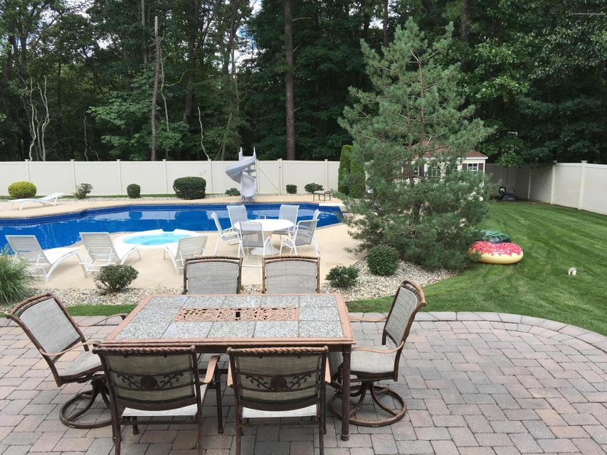 Additional photo for property listing at 2 Sunshine Way  Jackson, New Jersey 08527 États-Unis