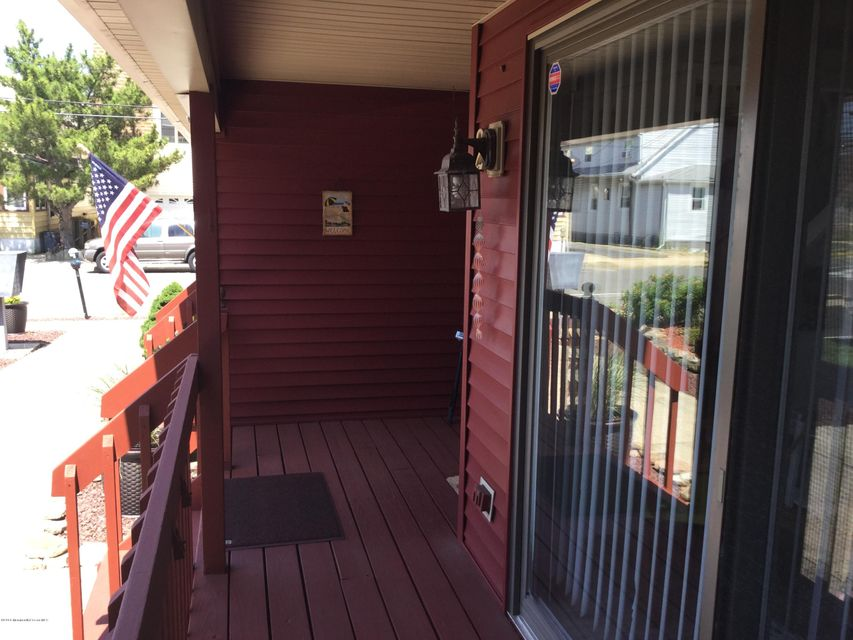 Additional photo for property listing at 129-133 #2 Fremont Avenue  Seaside Heights, Nueva Jersey 08751 Estados Unidos