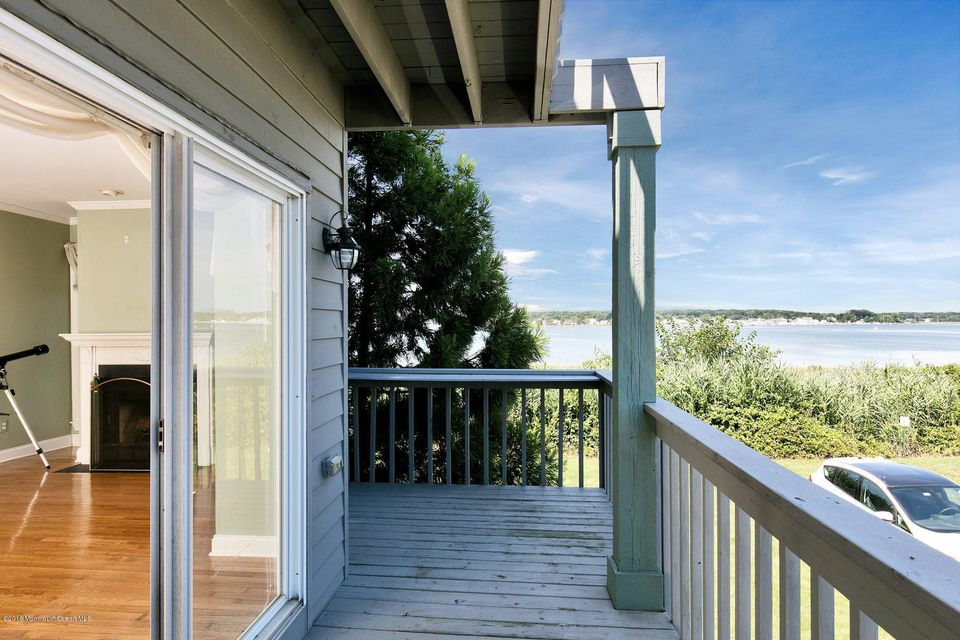 Additional photo for property listing at 332 Seaview Circle  Neptune, New Jersey 07753 États-Unis