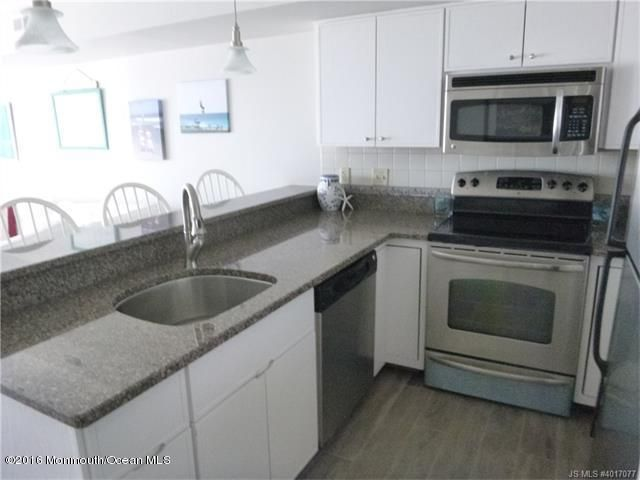 Additional photo for property listing at 1000 Bay Avenue  Beach Haven, 新泽西州 08008 美国
