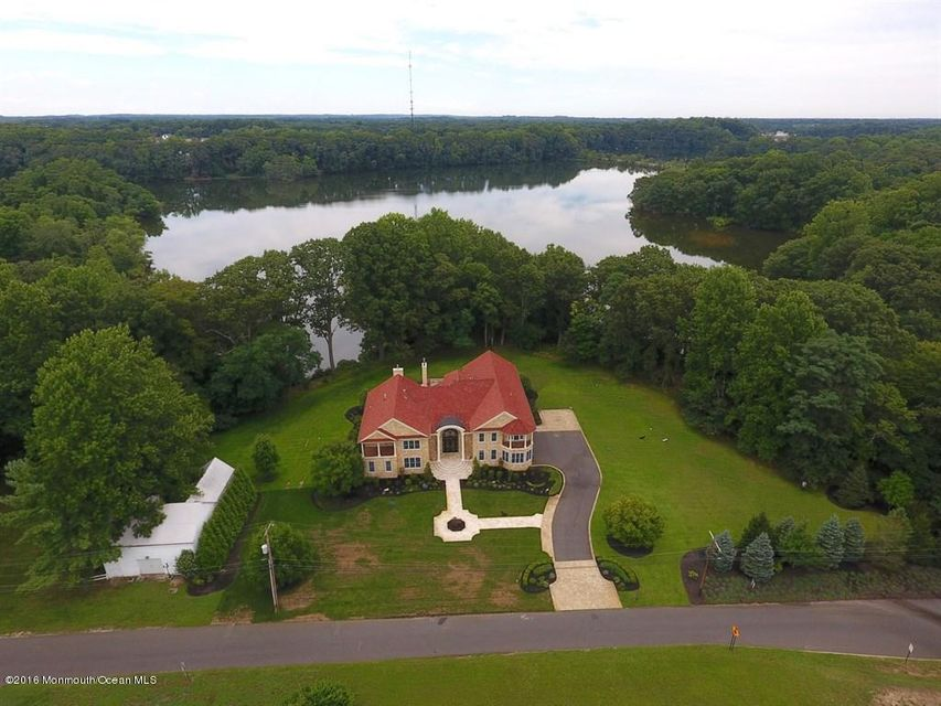 Photo of home for sale at 100 Richdale Road Road, Colts Neck NJ