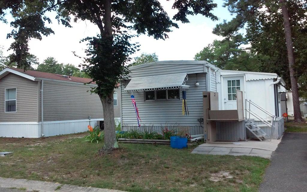 独户住宅 为 销售 在 22 Panda Lane Whiting, 新泽西州 08759 美国