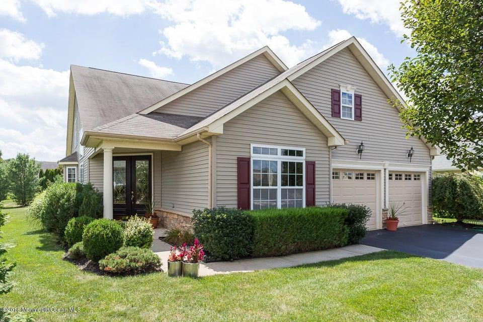 独户住宅 为 销售 在 518 Bennington Lane 莱克伍德, 新泽西州 08701 美国