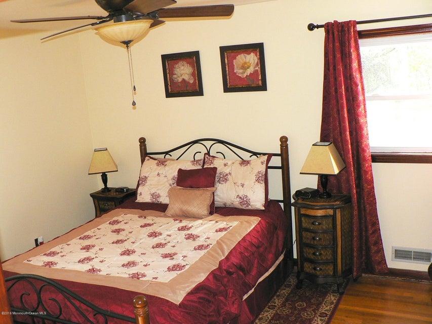 Additional photo for property listing at 54 Walnut Avenue  雷德班克, 新泽西州 07701 美国