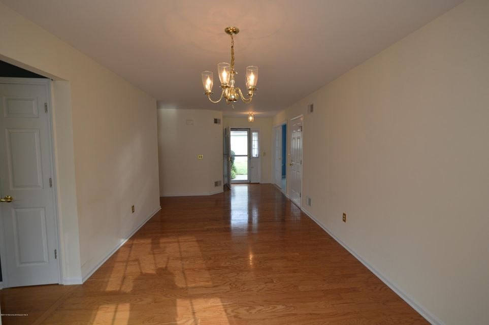 Additional photo for property listing at 2400 Crisfield Circle  Toms River, New Jersey 08755 États-Unis