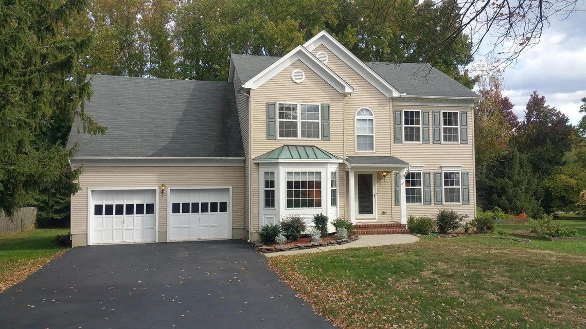 Maison unifamiliale pour l Vente à 33 Morganville Road Matawan, New Jersey 07747 États-Unis