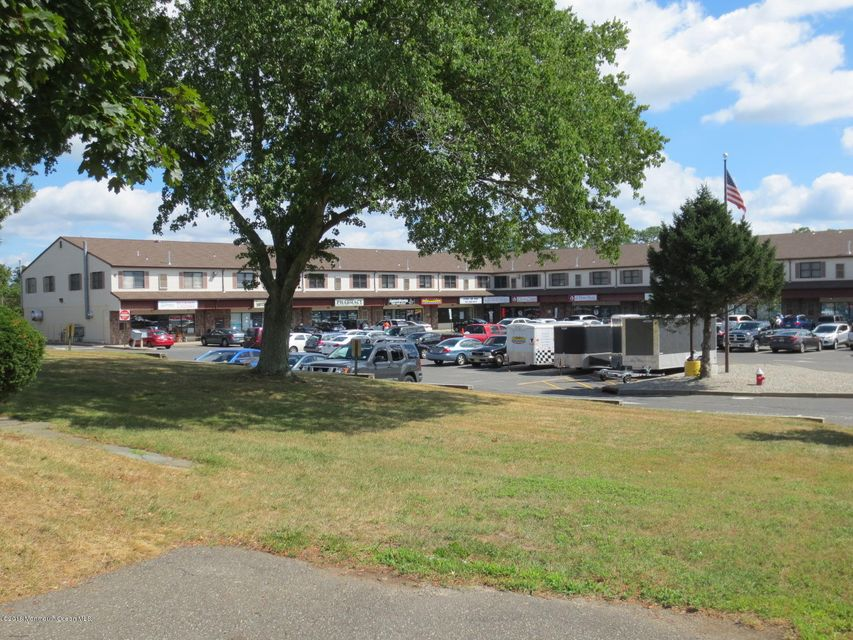 Additional photo for property listing at 2532 Belmar Boulevard  Wall, New Jersey 07719 États-Unis