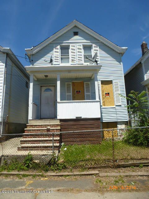 Single Family Home for Sale at 115 6th Street Paterson, New Jersey 07522 United States