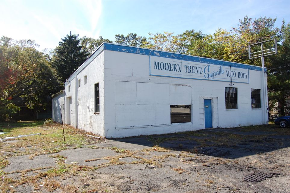 Commercial for Sale at 1965 State 35 Highway 1965 State 35 Highway Sayreville, New Jersey 08871 United States