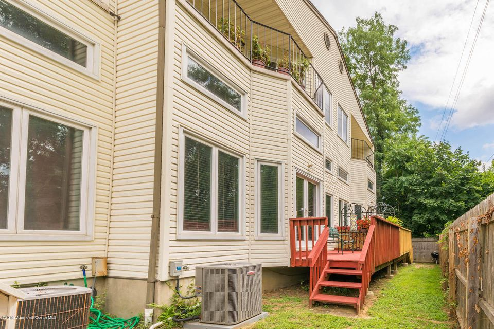 Additional photo for property listing at 13 Haven Way  Keyport, New Jersey 07735 États-Unis