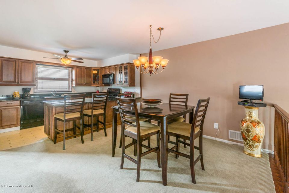 Additional photo for property listing at 13 Haven Way  Keyport, New Jersey 07735 United States