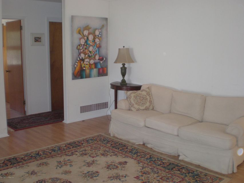 Additional photo for property listing at 24 Bahia Court  Brick, New Jersey 08723 États-Unis