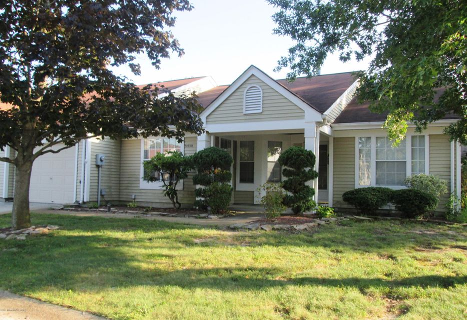 Single Family Home for Sale at 1098b Canterbury Drive Manchester, New Jersey 08759 United States