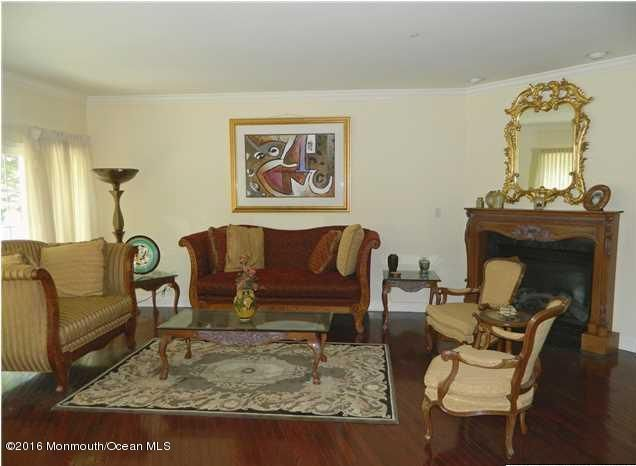 Additional photo for property listing at 38 Aspen Way  Aberdeen, Nueva Jersey 07747 Estados Unidos