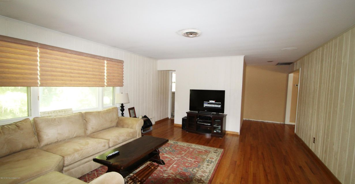 Additional photo for property listing at 828 Ocean View Drive  Toms River, New Jersey 08753 États-Unis