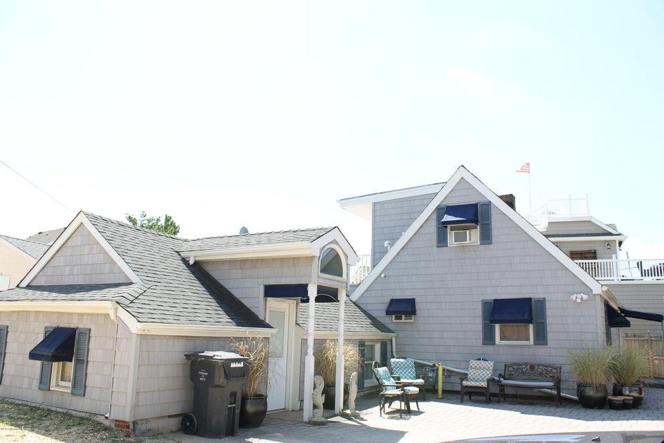 Maison unifamiliale pour l à louer à 116 Kupper Drive Mantoloking, New Jersey 08738 États-Unis
