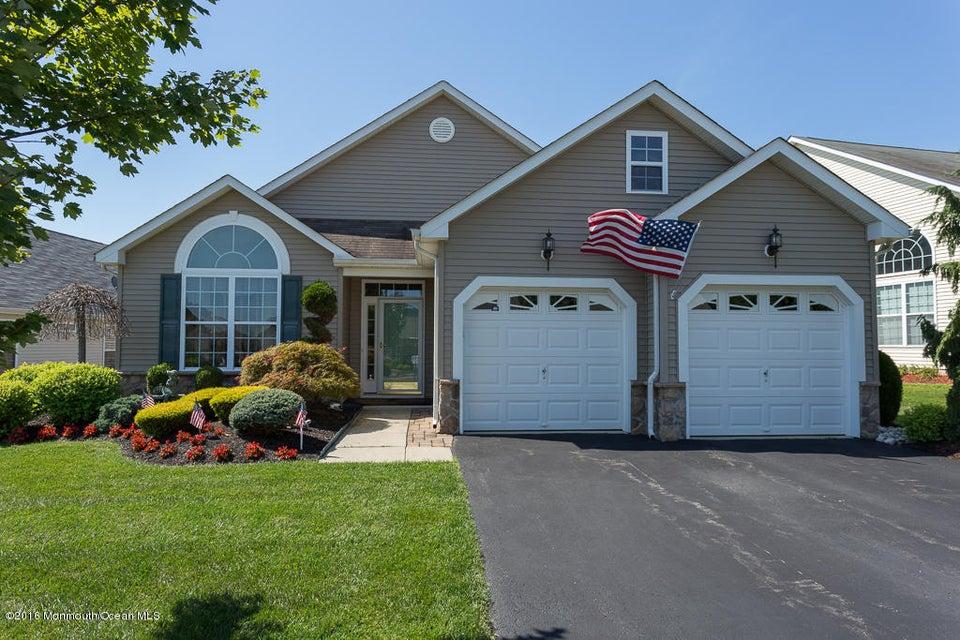 独户住宅 为 销售 在 231 Enclave Boulevard 莱克伍德, 新泽西州 08701 美国