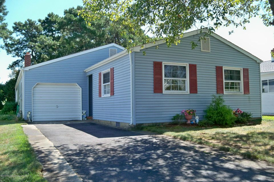 Single Family Home for Sale at 135 Torrey Pines Drive Toms River, New Jersey 08757 United States