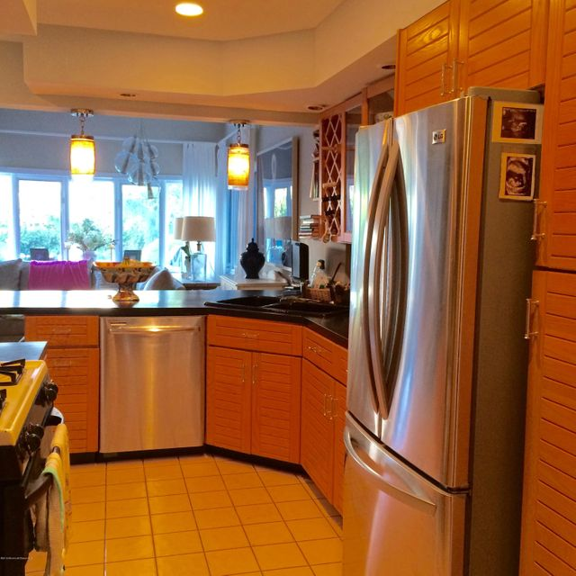 Additional photo for property listing at 52 Morris Avenue  Manasquan, 新泽西州 08736 美国
