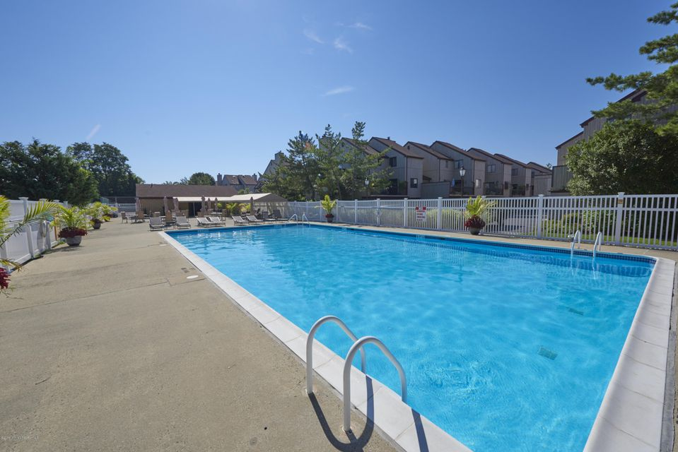 Additional photo for property listing at 580 Patten Avenue  Long Branch, New Jersey 07740 États-Unis