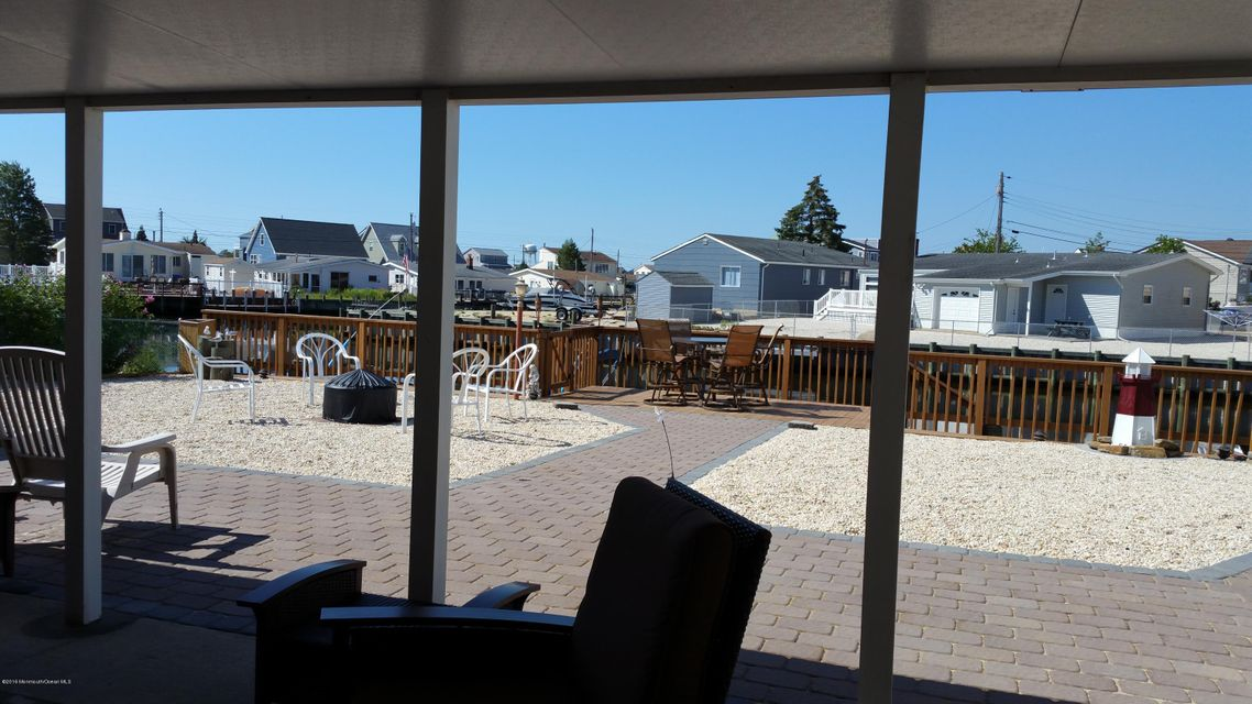 Additional photo for property listing at 971 Beach Haven West Boulevard  Beach Haven West, New Jersey 08050 États-Unis