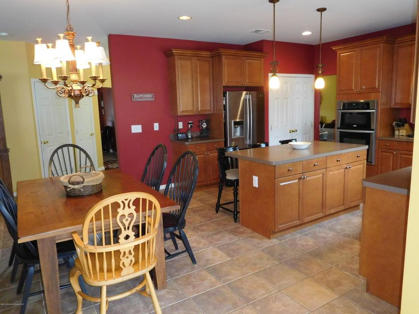 Additional photo for property listing at 744 Maidenstone Drive  Brick, New Jersey 08724 États-Unis