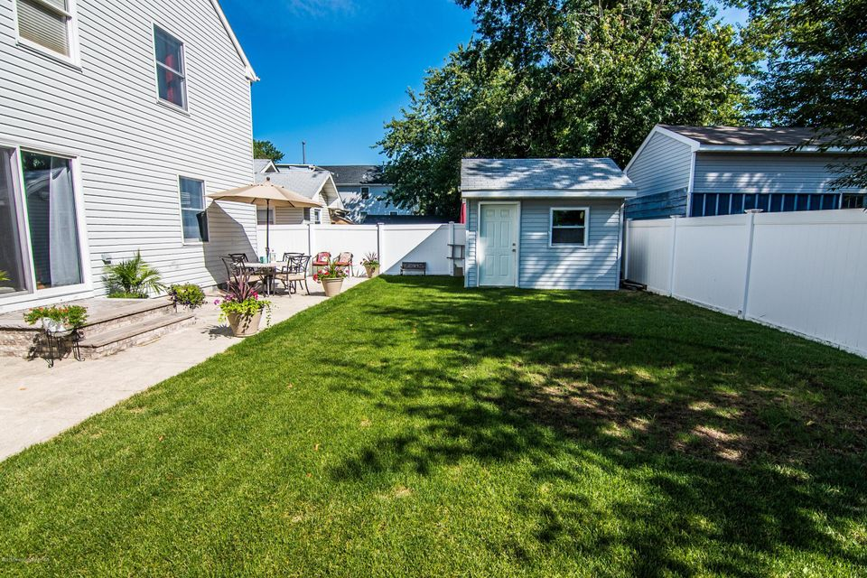 Additional photo for property listing at 36 Shoreland Terrace  North Middletown, New Jersey 07748 États-Unis