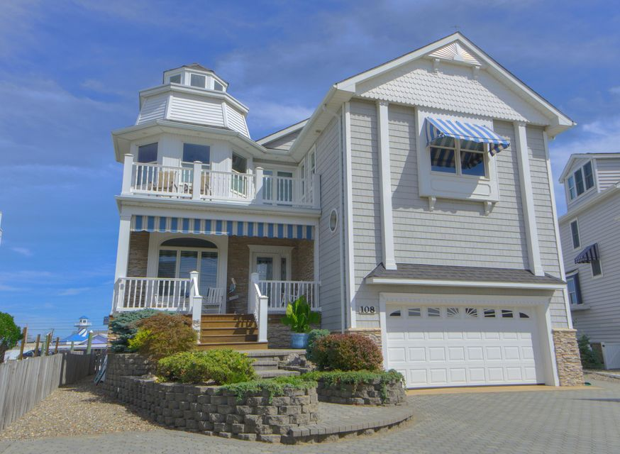 Casa Unifamiliar por un Venta en 108 Riverside Place Point Pleasant Beach, Nueva Jersey 08742 Estados Unidos