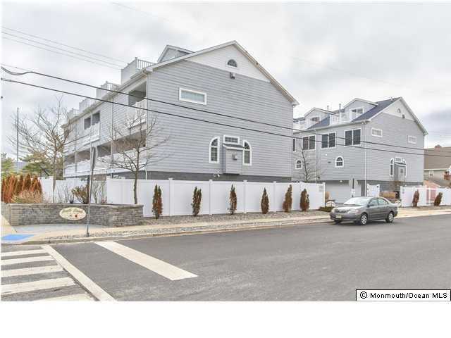 Maison unifamiliale pour l Vente à 101 21st Avenue 101 21st Avenue South Seaside Park, New Jersey 08752 États-Unis