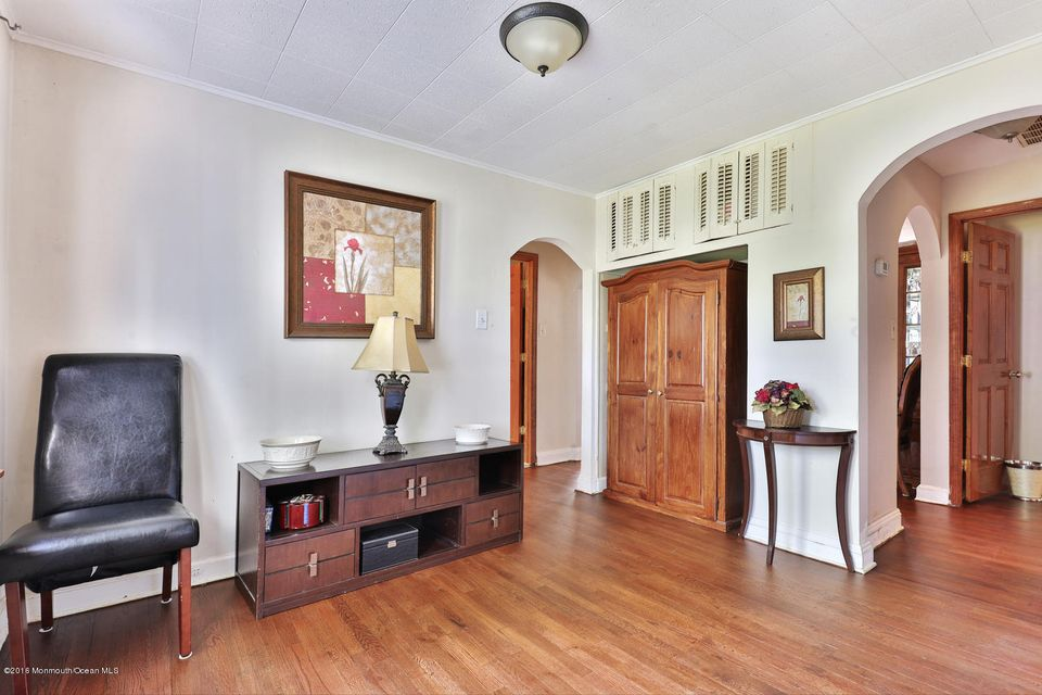 Additional photo for property listing at 500 Park Avenue  Oakhurst, New Jersey 07755 États-Unis