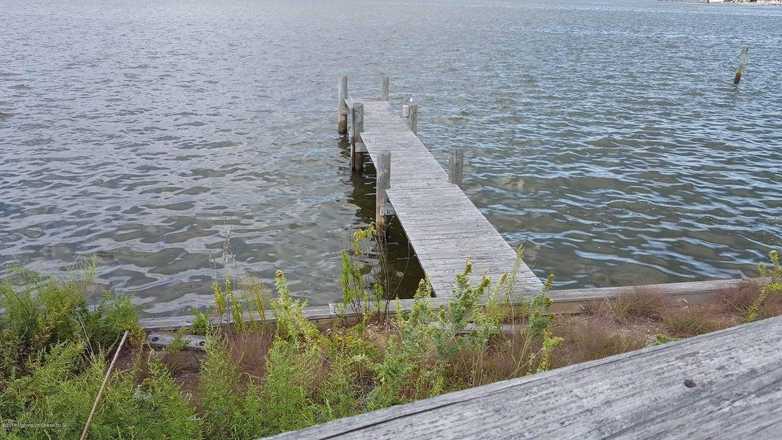 Additional photo for property listing at 12 Morey Lane  Brick, Nueva Jersey 08723 Estados Unidos