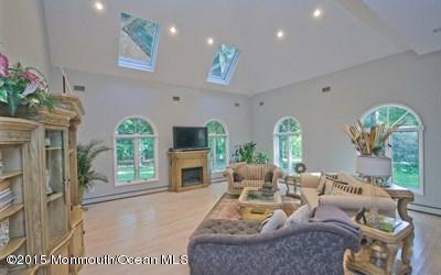 Additional photo for property listing at 120 Sandalwood Drive  万宝路, 新泽西州 07746 美国
