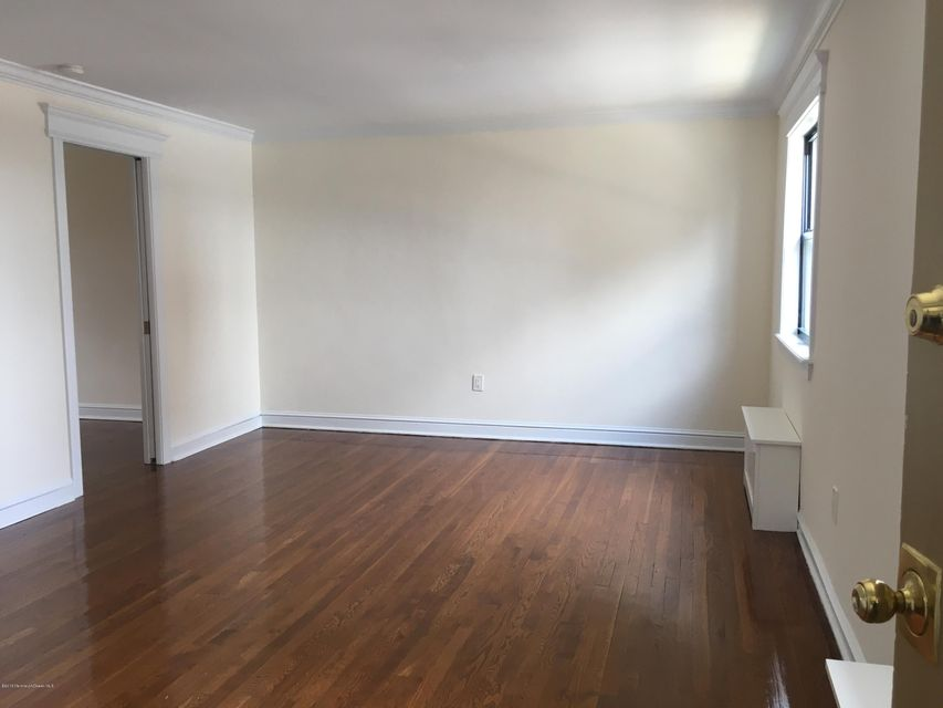 Additional photo for property listing at 300 Deal Lake Drive  Asbury Park, Nueva Jersey 07712 Estados Unidos