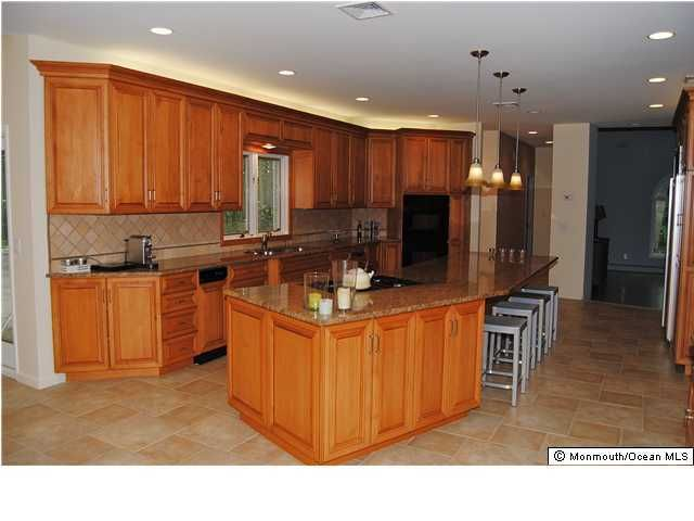 Additional photo for property listing at 120 Sandalwood Drive  Marlboro, New Jersey 07746 États-Unis