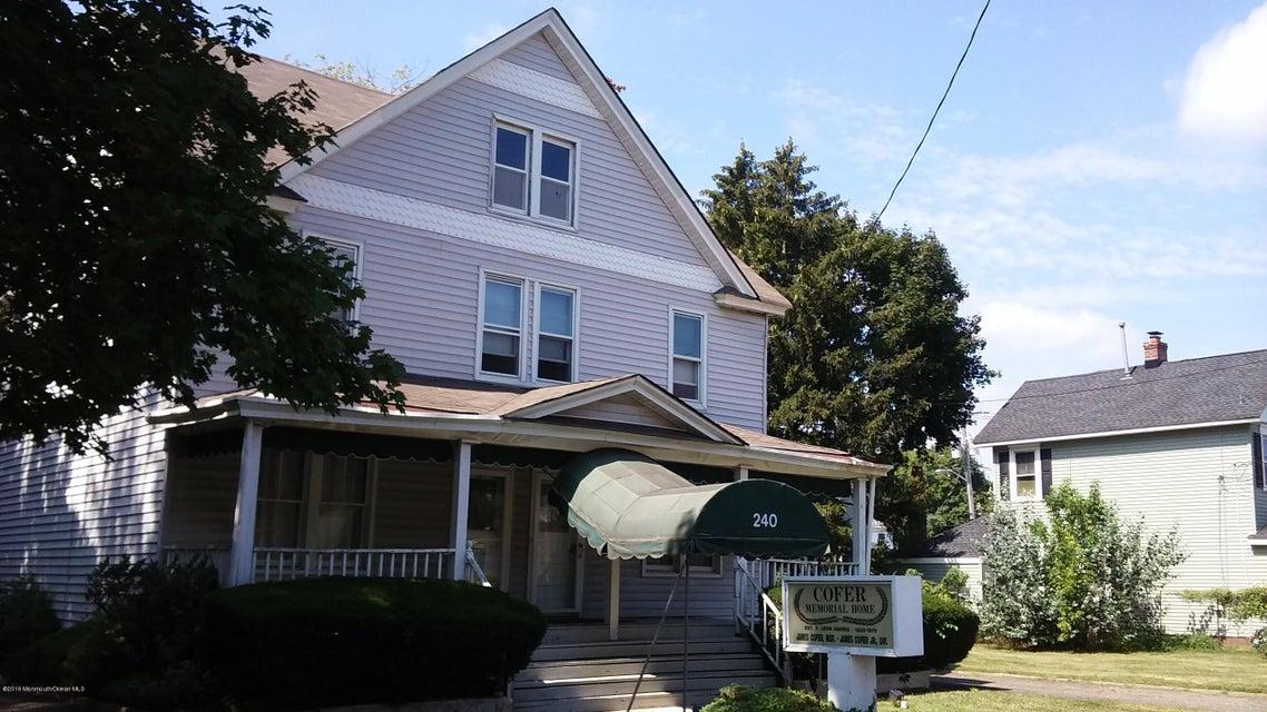 Thương mại vì Bán tại 240 Shrewsbury Avenue 240 Shrewsbury Avenue Red Bank, New Jersey 07701 Hoa Kỳ