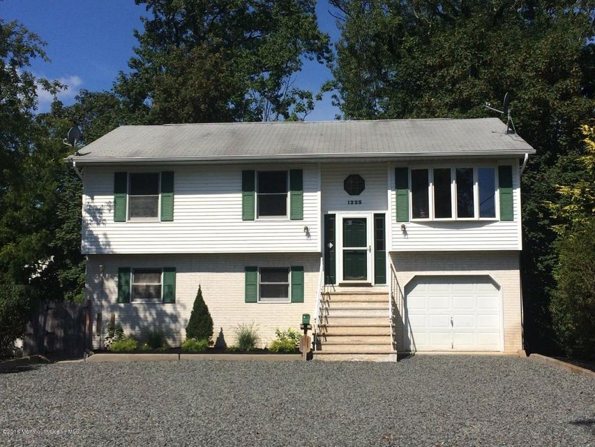 Multi-Family Home for Rent at 1223a Bay Avenue Point Pleasant, New Jersey 08742 United States
