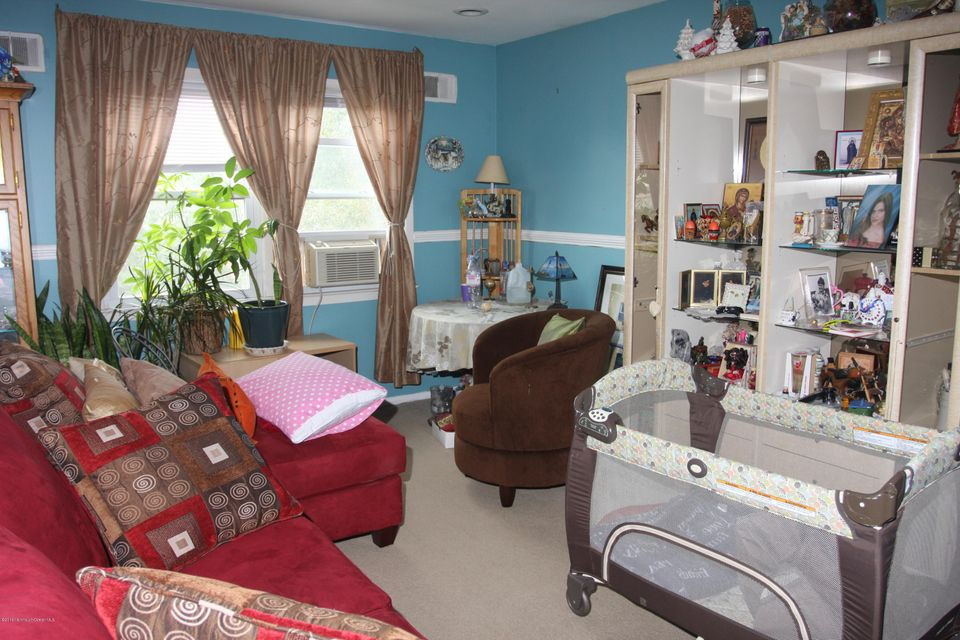 Additional photo for property listing at 154 Highland Boulevard  Keansburg, Nueva Jersey 07734 Estados Unidos