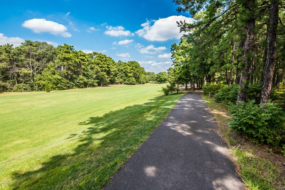 Additional photo for property listing at 55 Spring Valley Drive  Lakewood, Nueva Jersey 08701 Estados Unidos