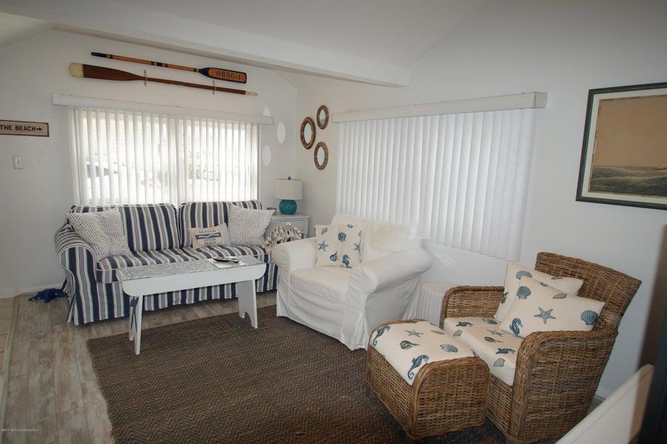 Maison unifamiliale pour l Vente à 19 Bay Way Lavallette, New Jersey 08735 États-Unis